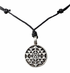Tribal Halskette mit Baumwollkordel