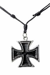Halskette mit großem eisernen Kreuz