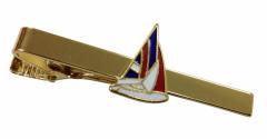 Krawattennadel aus Metall mit Segelboot