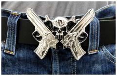 Gürtelschnalle Revolver & Skull