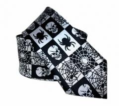 Schwarze Krawatte mit Totenköpfe und Spinnen