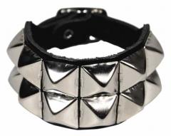 2 Reihen Pyramidennieten Armband