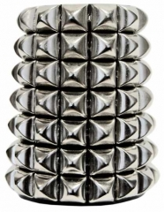 Armband 69 Pyramidennieten