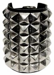 6 Reihen Pyramidennieten Armband