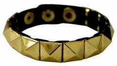 Armband Goldene Pyramidennieten